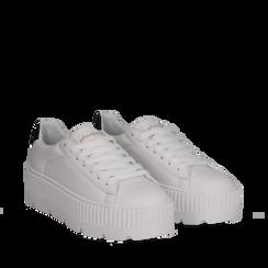 Sneakers platform bianco/nere in eco-pelle, Scarpe, 132618776EPBINE041, 002a