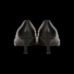 Décolleté nere Kitten heels in vero camoscio, tacco 3 cm, Primadonna, 12D617210VINERO, 003 preview