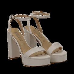 Sandali con pleateau bianchi in eco-pelle, tacco 12,50 cm, Scarpe, 132138091EPBIAN035, 002a