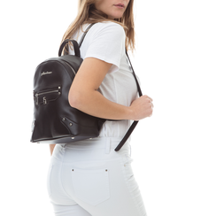 Zaino nero in eco-pelle con zip e dettagli metallici , Borse, 131822808EPNEROUNI, 002 preview