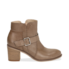 Ankle boots taupe in eco-pelle con gambale traforato, tacco 7 cm, 130682987EPTAUP035, 001a