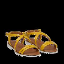 Sandali flat gialli in eco-pelle, Saldi Estivi, 136102003EPGIAL035, 002a