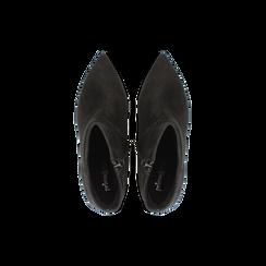 Tronchetti neri in vero camoscio, tacco midi 8 cm, Scarpe, 12D618502CMNERO, 004 preview