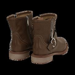 Biker boots taupe in eco-pelle con gambale traforato estensibile, tacco 3 cm, Scarpe, 130619015EPTAUP035, 004 preview