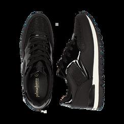 Sneakers nere in tessuto laminato e dettagli mirror, Scarpe, 130100107LMNERO037, 003 preview