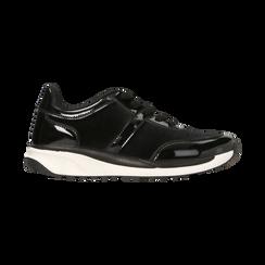 Sneakers nere dettagli in vernice e suola bianca in gomma, Scarpe, 120125906VLNERO, 001 preview