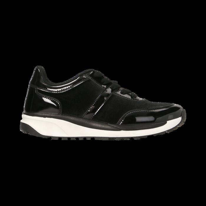 Sneakers nere dettagli in vernice e suola bianca in gomma, Scarpe, 120125906VLNERO