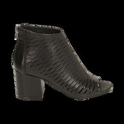 Botines open toe en eco piel perforada color negro, tacón 7 cm, Zapatos, 150726931EPNERO036, 001 preview