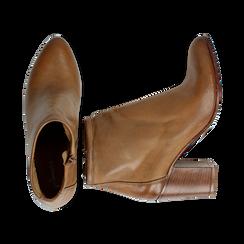 Ankle boots in vera pelle cuoio con tacco in legno 8 cm, Scarpe, 137725901PECUOI039, 003 preview