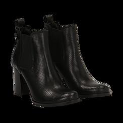 Chelsea boots traforati neri in vitello, tacco 8,50 cm , Scarpe, 138900880VINERO036, 002 preview