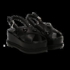 Sandali platform neri in eco-pelle con gemme, zeppa 7 cm ,