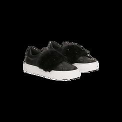 Sneakers nere Slip-on con dettagli faux-fur e borchie, 126103025EPNERO036, 002