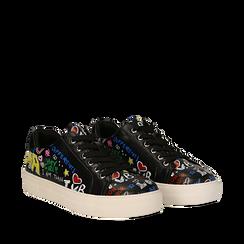 Sneakers nere in eco-pelle con scritte cartoon , Scarpe, 139301164EPNERO035, 002a