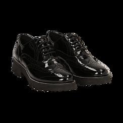 Stringate nere in vernice con lavorazione Duilio, Scarpe, 143055701VENERO, 002 preview