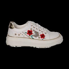 Sneakers bianche in eco-pelle con ricami, borchie e stelle gold, suola 4 cm , Scarpe, 142008359EPBIAN036, 001 preview