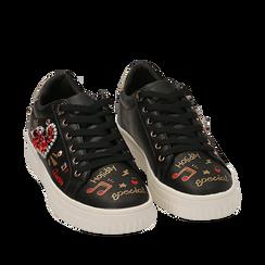 Sneakers nere in eco-pelle con pietre e stampe cartoon, Sneakers, 15E908470EPNERO035, 002a