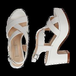 Sandali con plateau bianchi in eco-pelle, tacco 9 cm , Scarpe, 138402258EPBIAN036, 003 preview
