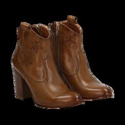 Ankle boots in pelle colore cuoio, con stelle ricamate, tacco 7,5 cm, Scarpe, 137725907PECUOI035, 002 preview