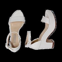 Sandali bianchi, tacco zeppa 8,50 cm, Primadonna, 158480214EPBIAN036, 003 preview