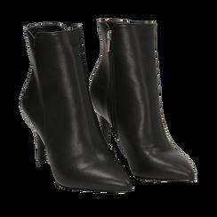 Ankle boots a punta neri in eco-pelle, tacco 8,5 cm , Stivaletti, 141764344EPNERO035, 002a