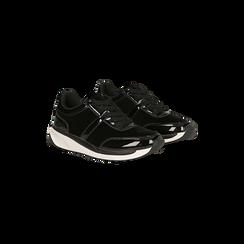 Sneakers nere dettagli in vernice e suola bianca in gomma, Scarpe, 120125906VLNERO, 002 preview