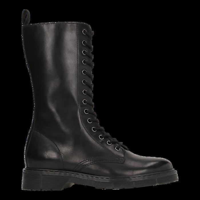 Anfibi neri in vera pelle, con gambale alto e stringhe, tacco basso, Scarpe, 127710810PENERO