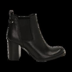 Chelsea boots traforati neri in vitello, tacco 8,50 cm , Scarpe, 138900880VINERO036, 001 preview
