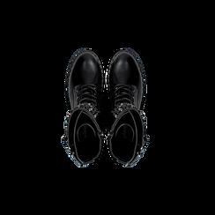 Anfibi neri con dettagli metal e perle nere, tacco basso, Scarpe, 12A772520EPNERO, 004 preview