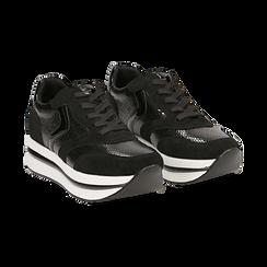 Sneakers platform nere in eco-pelle, effetto snake skin, zeppa 4 cm ,