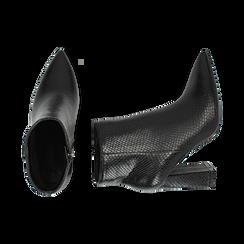 Ankle boots neri in eco-pelle stampa pitone, tacco 9,5 cm , Primadonna, 142186672PTNERO036, 003 preview