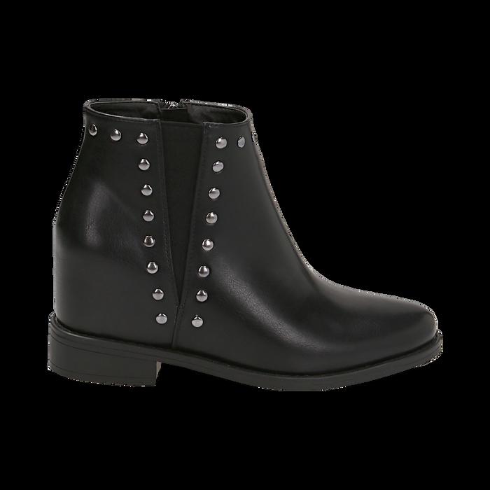 Ankle boots borchiati neri in eco-pelle con zeppa interna, Stivaletti, 149721213EPNERO035