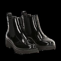 Chelsea boots neri in vernice con lavorazione Duilio, Primadonna, 143055702VENERO039, 002a