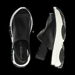 Sandali neri in eco-pelle, zeppa 4,50 cm , Scarpe, 136777206EPNERO036, 003 preview