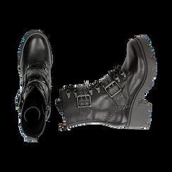 Anfibi neri in pelle con fibbie e borchie, tacco 4,5 cm , Stivaletti, 147723519PENERO035, 003 preview