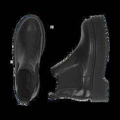Chelsea boots neri in vera pelle, tacco 4,5 cm , Primadonna, 147728503PENERO040, 003 preview