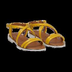 Sandali flat gialli in eco-pelle,