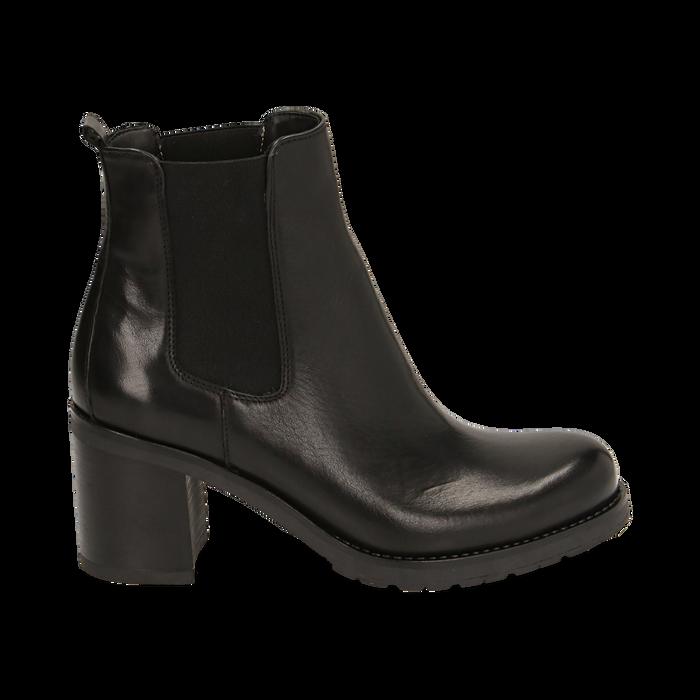 Chelsea boots neri in pelle, tacco 7,50 cm , Promozioni, 167734401PENERO035