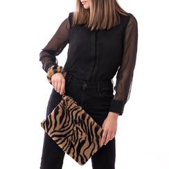 Pochette tigrata in eco-fur, Borse, 14B443016FUTIGRUNI, 002a
