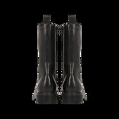 Anfibi neri in vera pelle, con gambale alto e stringhe, tacco basso, Scarpe, 127710810PENERO, 003 preview