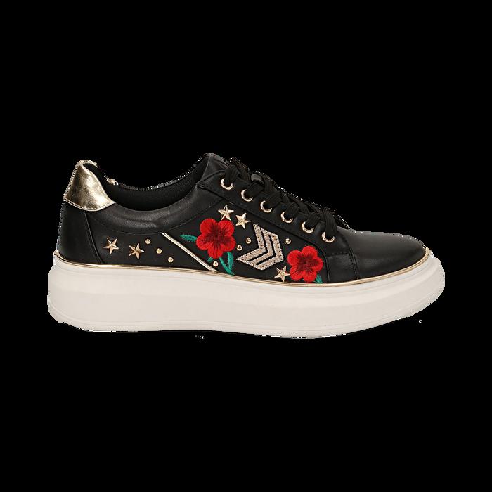Sneakers nere in eco-pelle con ricami, borchie e stelle gold, suola 4 cm , Scarpe, 142008359EPNERO036
