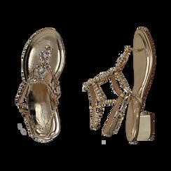 Sandalias en eco-piel laminada con pedrería color dorado, tacón 3,5 cm , OPORTUNIDADES, 154927101LMOROG036, 003 preview
