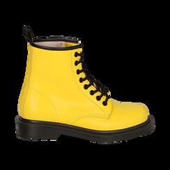 Anfibi gialli in eco-pelle, Stivaletti, 142801501EPGIAL035, 001 preview