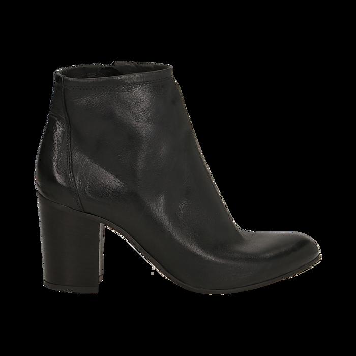Ankle boots in vera pelle neri con tacco in legno 8 cm, Scarpe, 137725901PENERO035