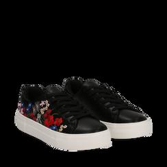 Sneakers nere in eco-pelle con ricami fiorati, Scarpe, 132618501EPNERO035, 002a
