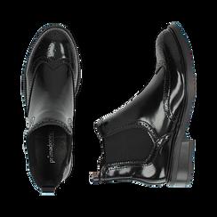 Chelsea boots neri in eco-pelle abrasivata, Stivaletti, 140618206ABNERO036, 003 preview