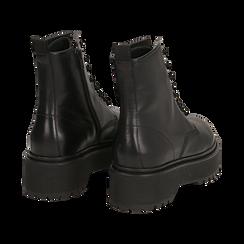 Anfibi platform neri in pelle, suola 4,5 cm , Stivaletti, 147728502PENERO038, 004 preview