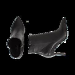 Ankle boots a punta neri in eco-pelle, tacco 8,5 cm , Stivaletti, 141764344EPNERO035, 003 preview