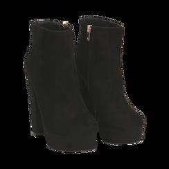 Ankle boots con plateau neri in microfibra, tacco 13,5 cm , Stivaletti, 142138410MFNERO035, 002a