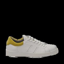 Sneakers bianche in vera pelle e dettaglio giallo in camoscio, Scarpe, 131611783PEBIGI035, 001a