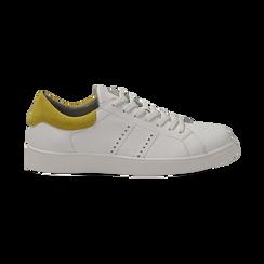 Sneakers bianche in vera pelle e dettaglio giallo in camoscio, Scarpe, 131611783PEBIGI036, 001 preview